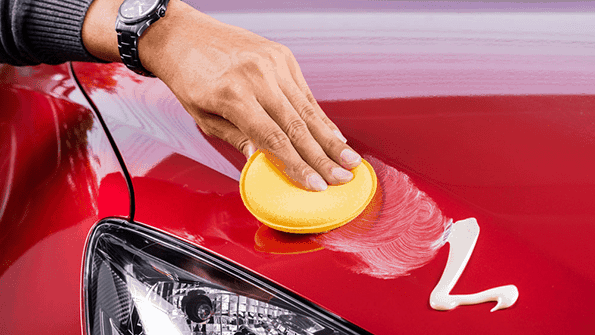 polishing-or-waxing-car